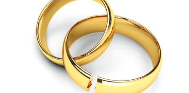 tribunal rabbinique pourquoi un couple divorc se pr tend encore mari chiourim. Black Bedroom Furniture Sets. Home Design Ideas
